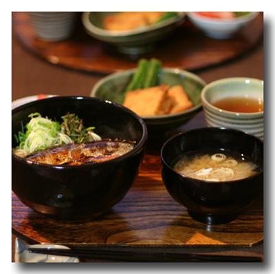さんま丼の夕食