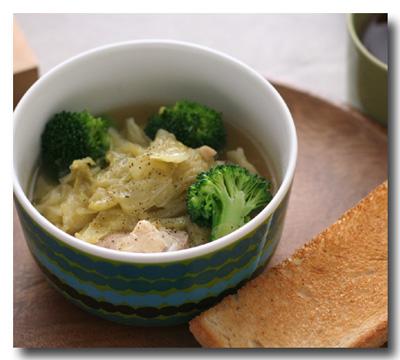 鶏肉とキャベツのスープ