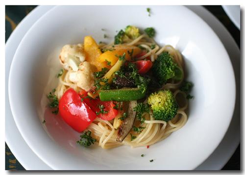 野菜のカラフルパスタ