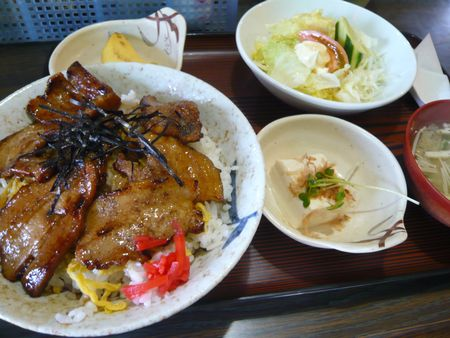 グリル大島-豚カバ丼定食