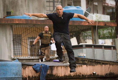 fast_five_movie_image_dwayne_johnson_vin_diesel_01.jpg