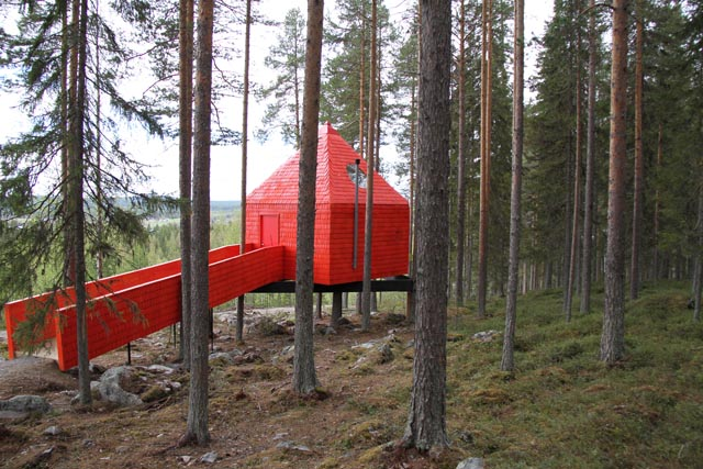 Treehotel_The Blue Cone_02