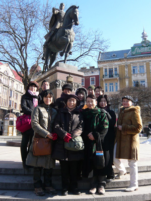 group  statue of Danilo