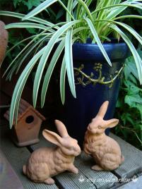 テラコッタのウサギ