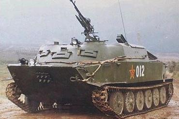 type77 APC 77式两栖坦克 (BTR-50) 77式水陸両用装甲車