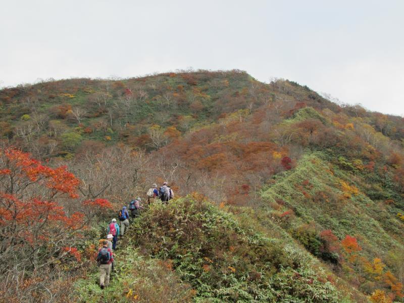 三坂峠付近からの西稲包山