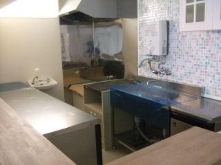 厨房什器の設置_20110121
