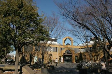 大庭図書館