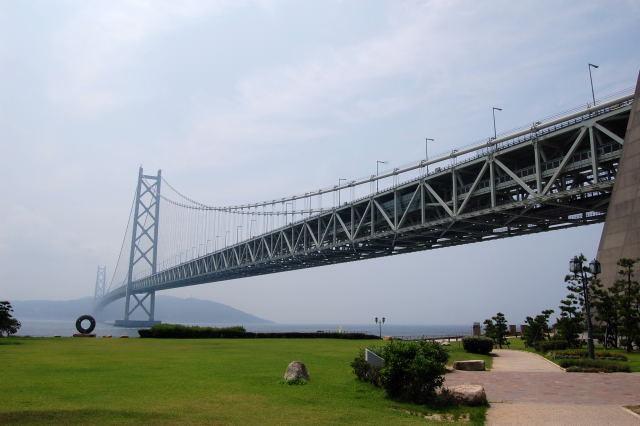 ついに見えてきた明石海峡大橋