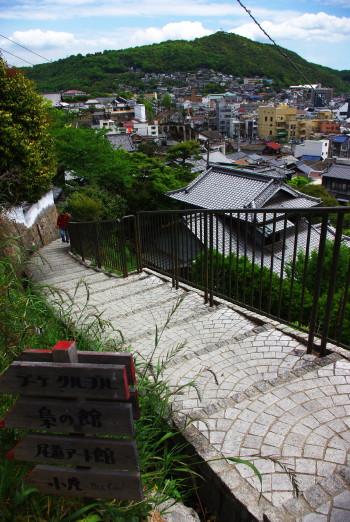 尾道坂道梟の館前