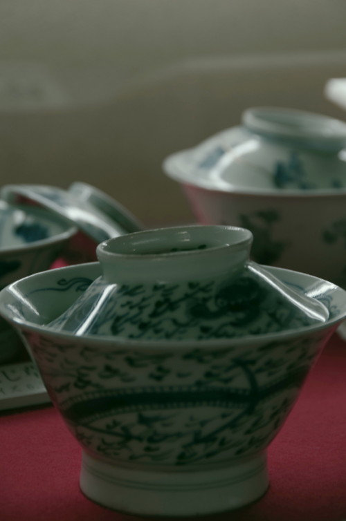 格子の家 茶碗