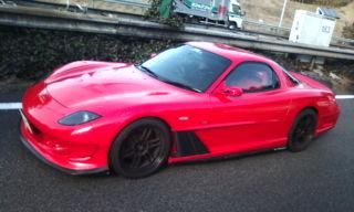 赤スポーツカー