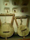 弦楽器にゃてぃてぃ2個