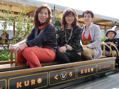 P1150401  子供電車3人