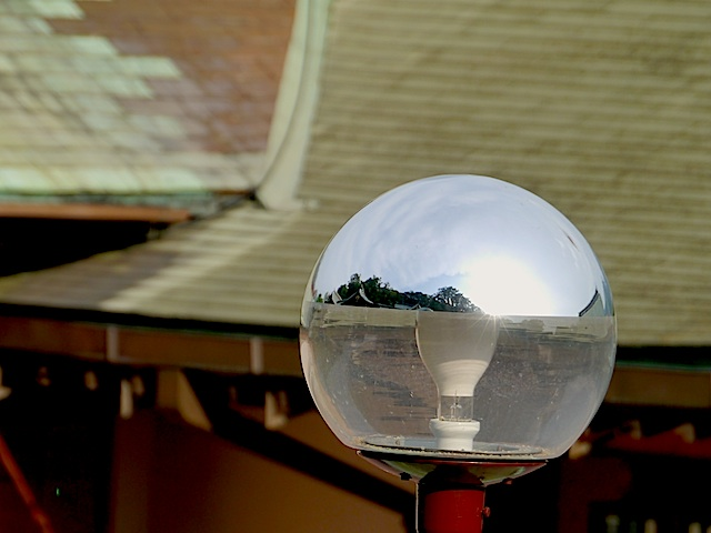 P1150778 神社ライト2