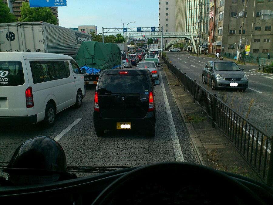 朝の通勤時間帯@産業道路(尼崎)玉江橋交差点前