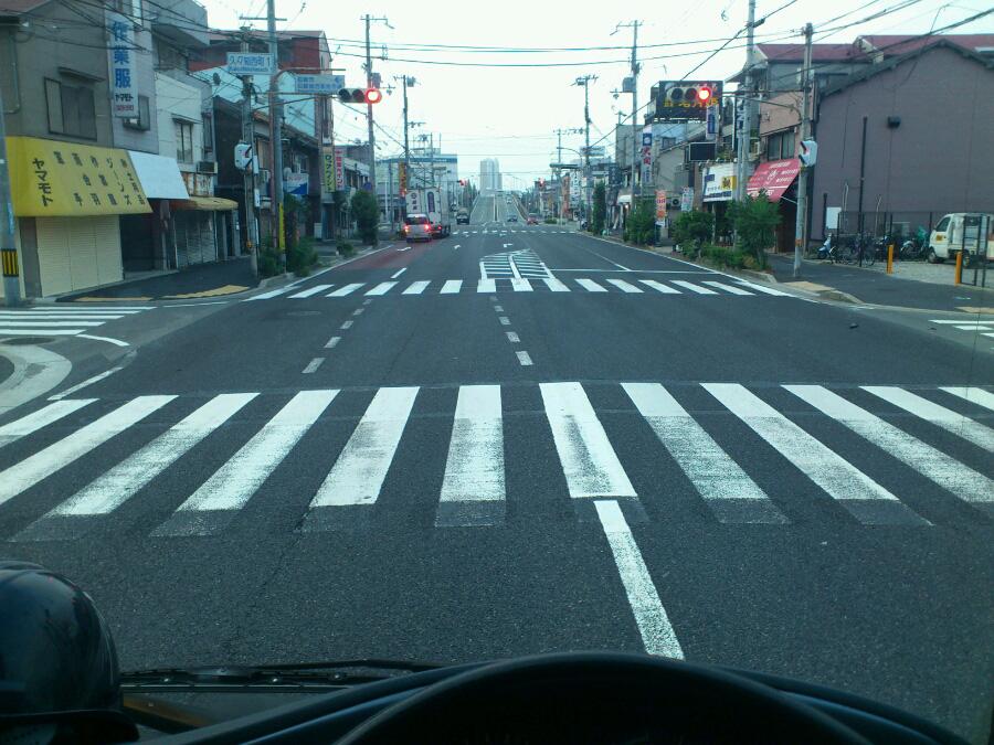 今日の一発目・早朝の産業道路@尼崎久々知付近