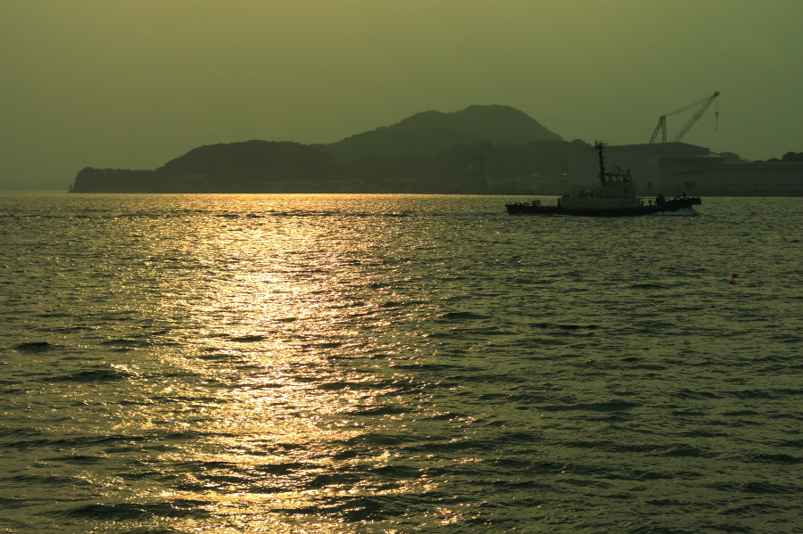 関門海峡沿いのレストランからの眺め@ラ・メール雅(北九州市門司区)
