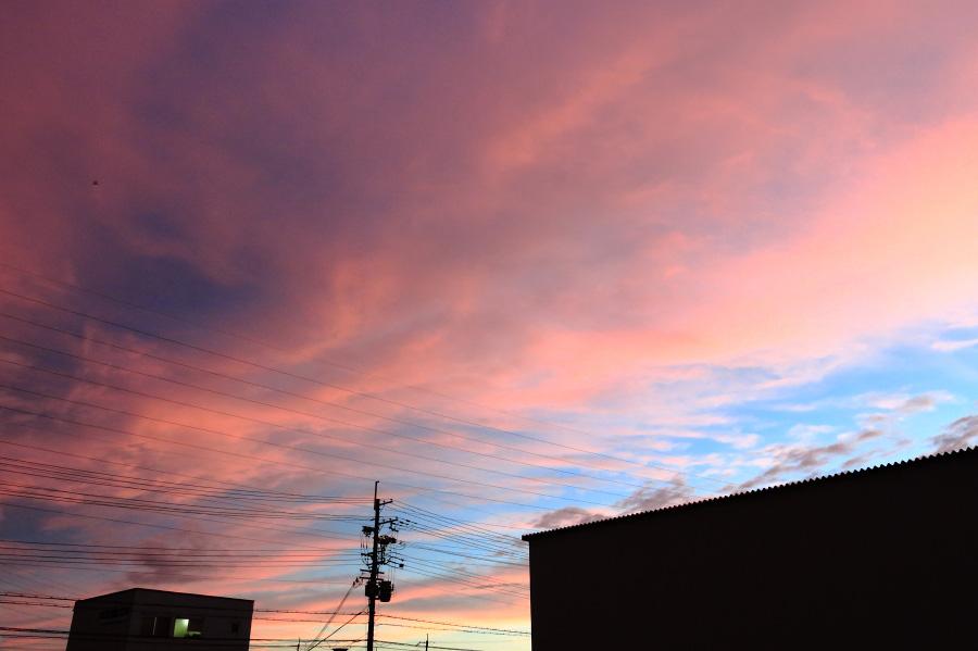雨上がりの夕空@会社車庫