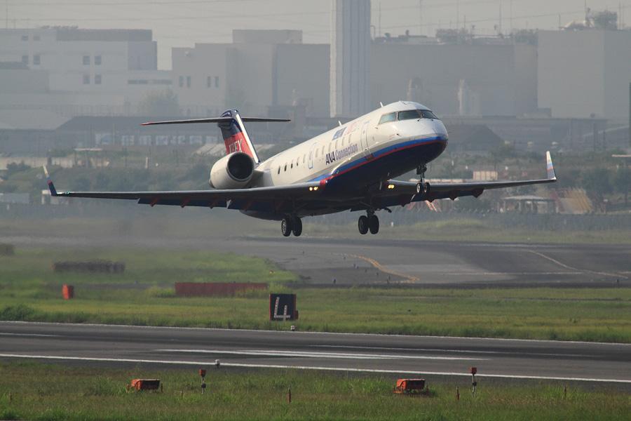IBX CRJ-100LR / IBX71 (JA01RJ)@下河原緑地展望デッキ
