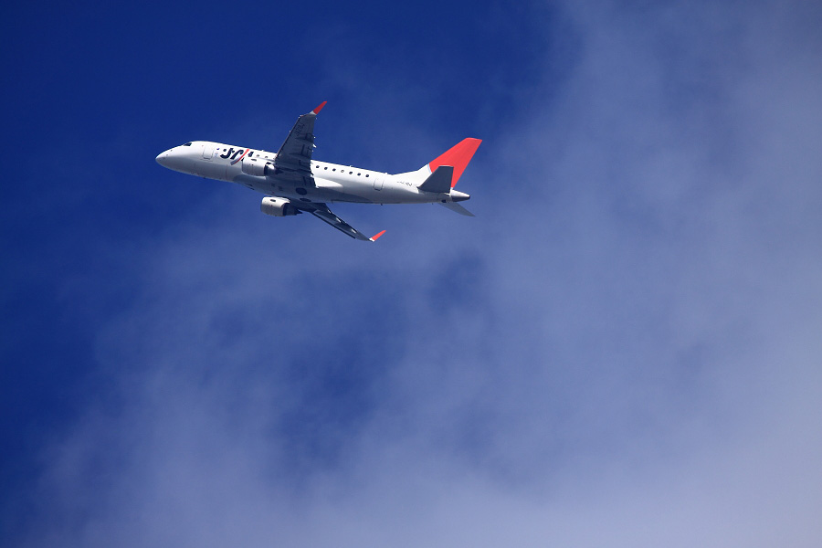 J-AIR Embraer170 / JAL3951 (JA218J)@瑞ヶ池公園