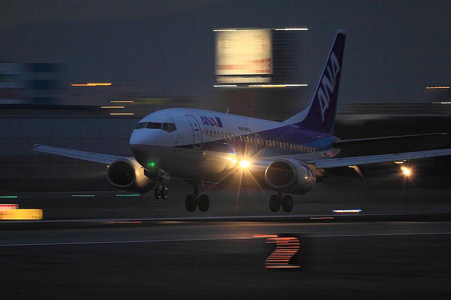 ANA Wings B737-54K / ANA508 (JA302K)@伊丹スカイパーク