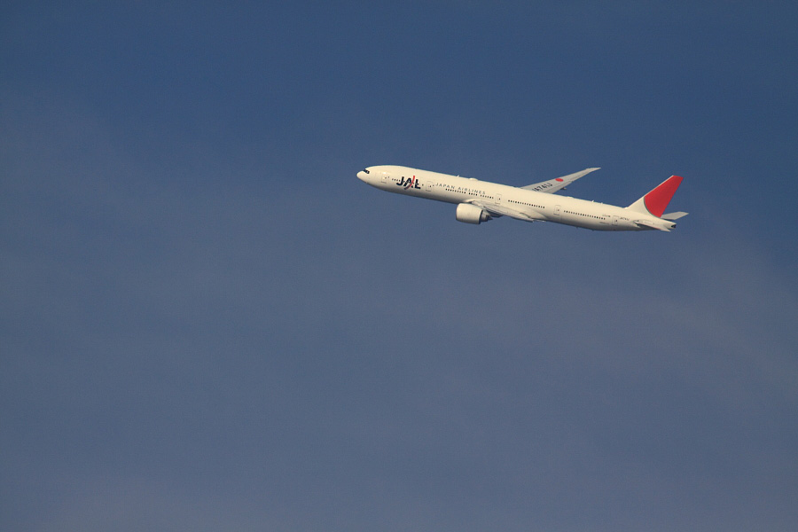 JAL B777-346ER / JAL3002 (JA741J)@RWY14Rエンド・猪名川土手