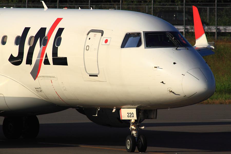 J=AIR Embraer170 / JAL2050 (JA220J)@下河原緑地展望デッキ
