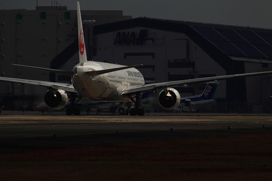JAL B777-346 / JAL112 (JA8944)@エアフロントオアシス下河原