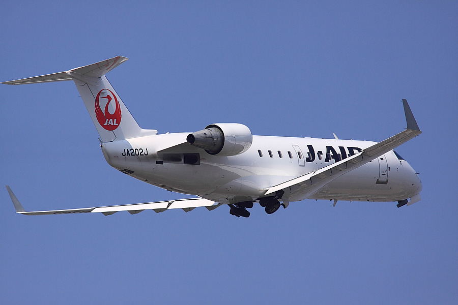 J-AIR CRJ-200ER JAL2371@下河原緑地展望デッキ(by EOS 50D with SIGMA APO 300mm F2.8 EX DG/HSM + APO TC2x EX DG)