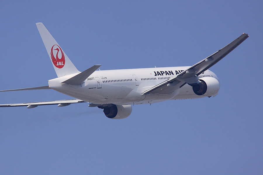 JAL B777-289 JAL110@下河原緑地展望デッキ(by EOS 50D with SIGMA APO 300mm F2.8 EX DG/HSM + APO TC1.4x EX DG)