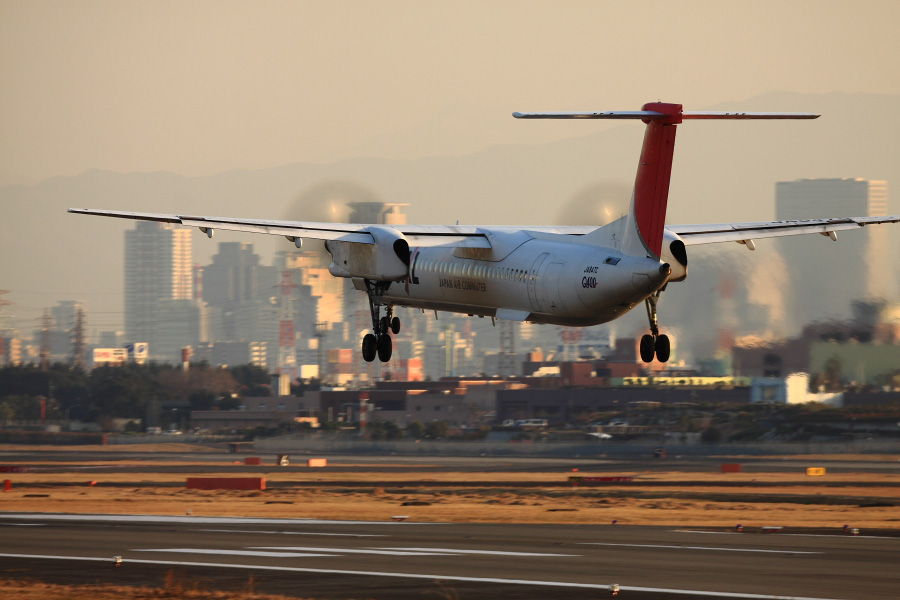 JAC DHC-8-402Q / JAC2336 (JA847C)@エアフロントオアシス下河原沿道