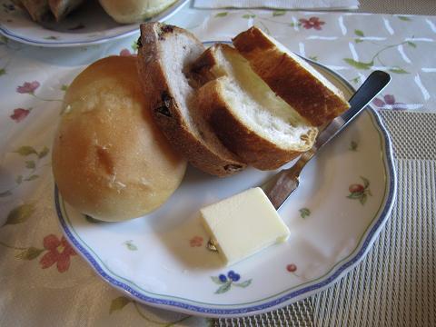 パン3種にバター