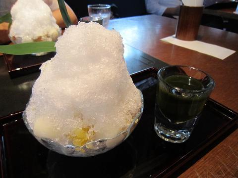 かくれ芋餡かき氷