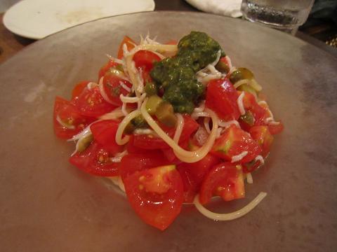 フレッシュトマトとバジルの冷製パスタ