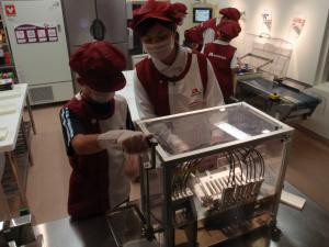 お菓子工場