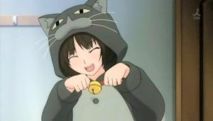 ネコの着ぐるみを着た美也