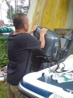 20100703 魚釣りより船磨き