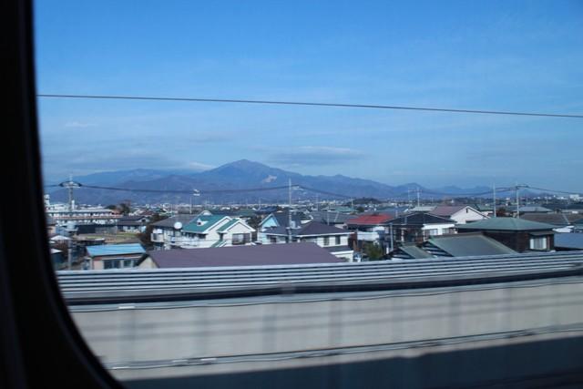 新幹線の中で写真あんまり撮れないね・・・。