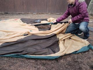 テント張りです
