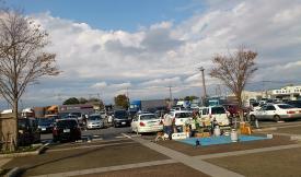 駐車場はぼぼ満車