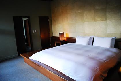 星のや軽井沢ベッドルーム