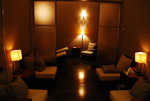 星のや軽井沢 メディテイションバス休憩室