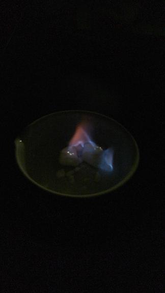 燃えるメタンハイドレート