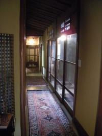 Lucite廊下
