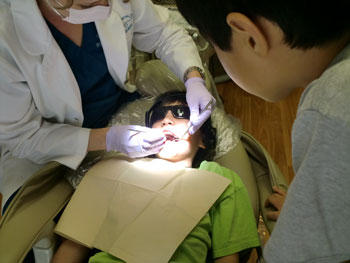 dentist03151202.jpg