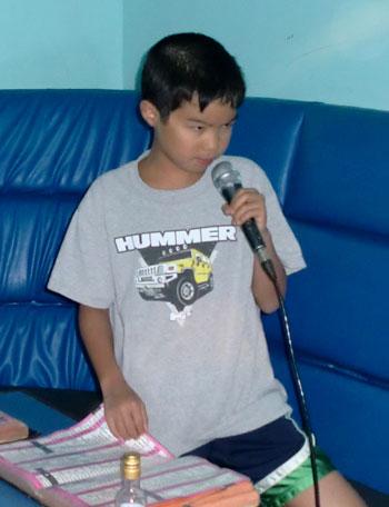 karaoke04281201.jpg