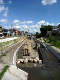 国道1号線の龍城橋から伊賀川上流方向