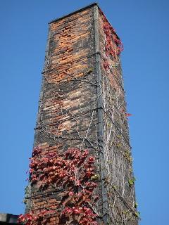 レンガ造りの煙突