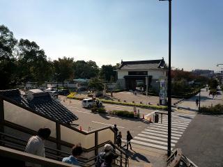 岡崎公園前歩道橋